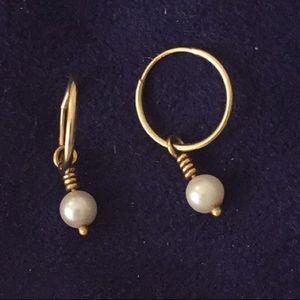 Lee Brevard pearl earrings.